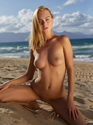 Nancy sexy, naked, blonde, beach