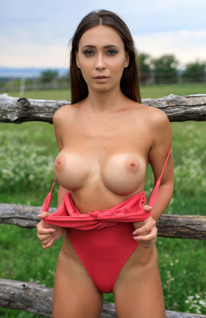 Laureen sexy, big boobs, outdoor